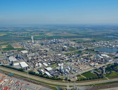 BASF Group's second most important production center is located in Antwerp. The Verbund site is about six square kilometers large and includes around 50 plants, bundled into 15 integrated production clusters