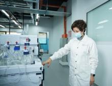 Dr Irma Silva Zolezzi, Head of Nestlé's research hub in Singapore presents in local labs